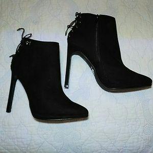 Betseyville stelletto heel ankle boots black.